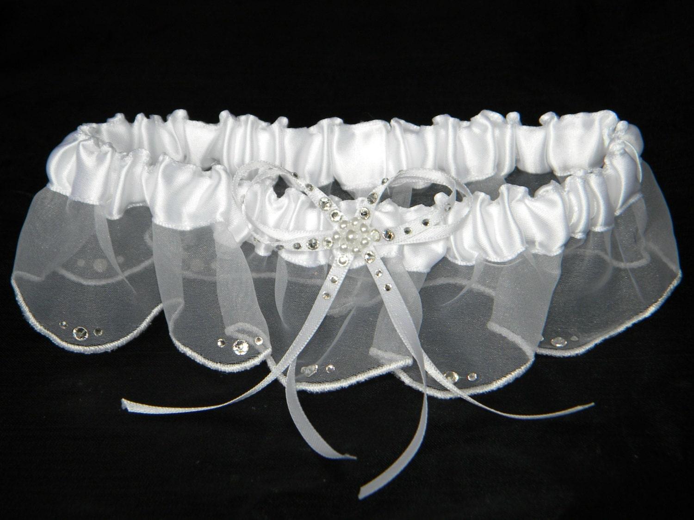 Custom Traditional Wedding Garter Belt Scallop Skirt W Swarovski Crystal White Ivory Pearl Bridal Organza Ribbon Satin Silk Lace Gift