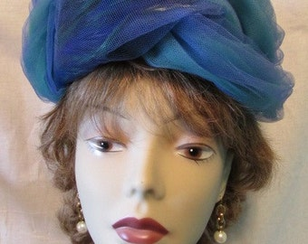 M'SIEU LEON HAT ocean waves vintage 1960s Teal blue green Tulle Feathers Excellent Theater Theatre Costume