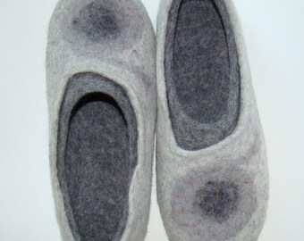 Felt slippers, woman house shoes Gray, light gray with coal gray, natural wool felt, 2in1 style