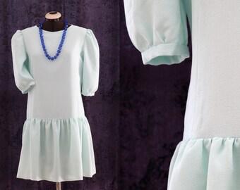 M- French Vintage Handsewn dress, 80', pastel green