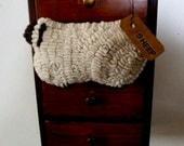 PrimiTive Folkart Hooked Rug Wooley Sheep Bowlfiller Ornament  Beaconhillcollect  We Ship Internationally