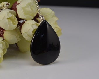 black onyx teardrop pendant,sterling silver chain,handcrafted jewelry,handmade pendant,black pendant