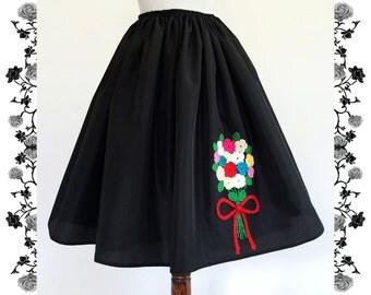 1950's Vintage Inspired Full Skirt Rockabilly Crochet Flowers Bouquet