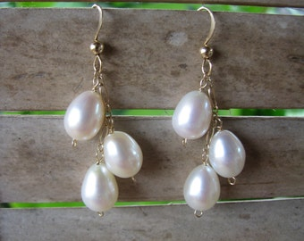 White Pearl Earrings, Pearl Gold Earrings, White Pearl Gold Dangles, Wedding Earrings, Bridal Earrings, Bridesmaid Earrings, Beach Wedding
