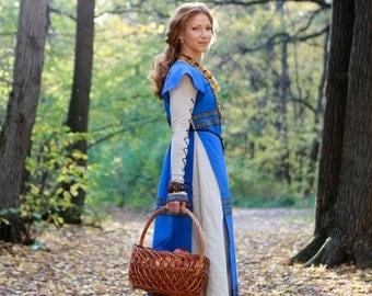 "Medieval Linen Dress and Surcoat ""Sunshine Janet"""