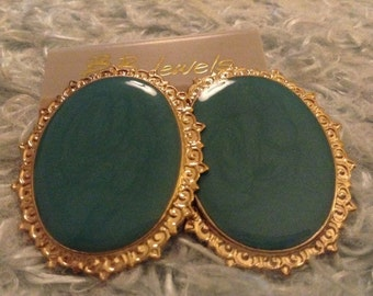 1980s Turquoise and Gold tone Earrings - pierced