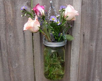 Hand Made Mason jar Hanging Vase With Frog Lid - Green Color