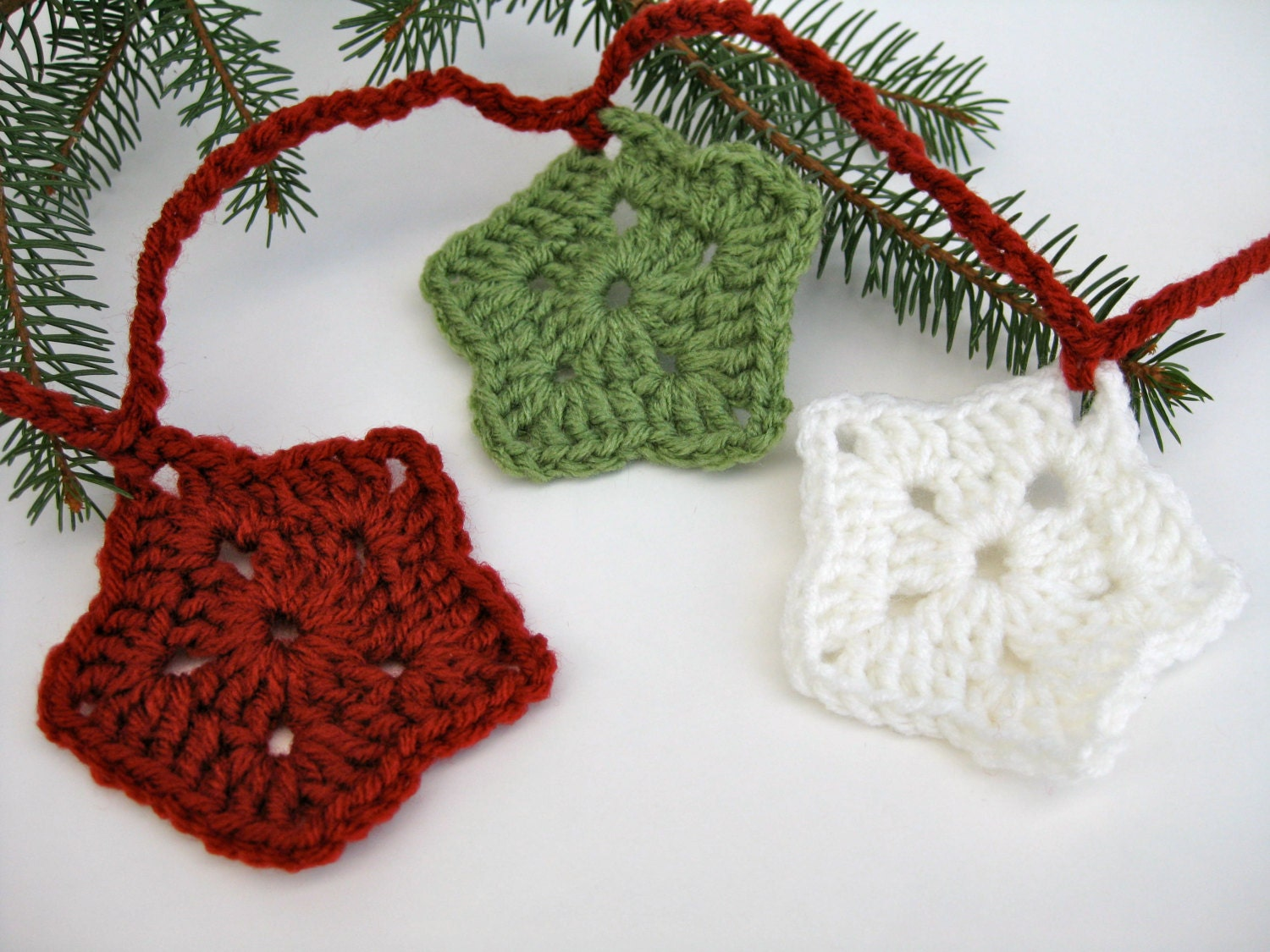 Crochet christmas star garland holiday decorating red
