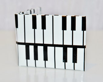 Duct Tape Wallet: Piano