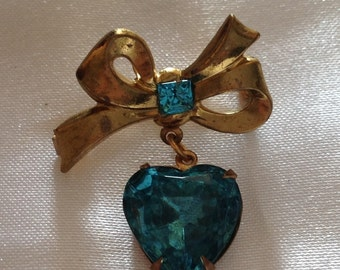 Vintage 1940's Turquoise Heart/Bow Brooch