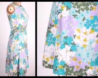 1960s Hawaiian Dress // Vintage Pastel Floral Print Dress // 30 inch waist (medium)