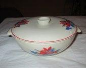 1940s Vintage Universal Potteries CALICO FRUIT 1-qt Covered Casserole, Red Blue