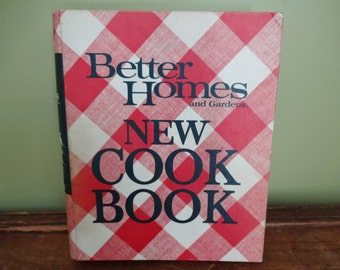 Better Homes and Gardens New Cook Book - 1968 Edition - Classic Cookbook - Kitchen Collectibles - Ring Binder Recipe Book