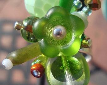 Green Flower Glass Bead Ring