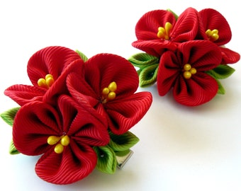 Kanzashi  Fabric Flowers. Set of 2 hair clips. Red kanzashi flowers. Red girl hair clips.
