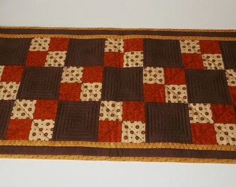 Mocha Pumpkin Patch – Table Runner