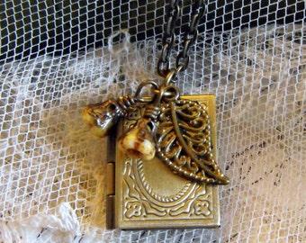 Book Locket  Necklace,Leaf Flowers Locket Necklace, Vintage Inspired Keepsake Locket, Nature Locket Necklace, Locket Jewelry,Picture Locket