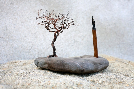 copper wire tree of life Sculptural pencil holder, artistic desk ornament, modern, rustic design, paperweight, stone pen holder, rees