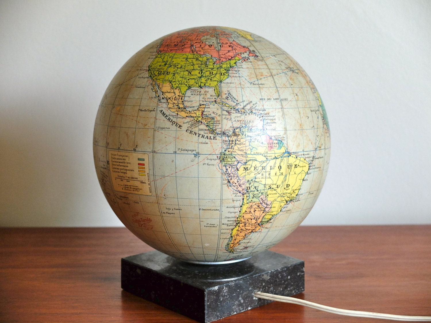 ancienne mappemonde globe lumineux cartes taride ann es 50. Black Bedroom Furniture Sets. Home Design Ideas