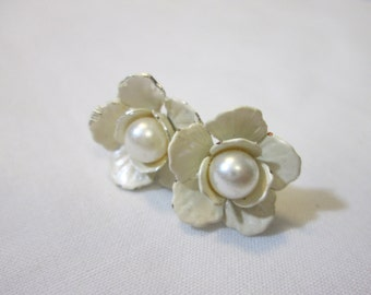 Flower Girl Bride Bridesmaid Pearl and Ivory Rose Earring studs