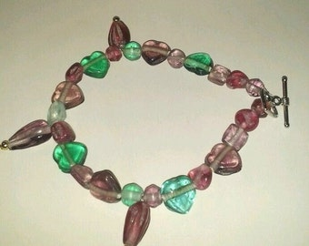 Glass Green and pink bracelet, 8 inches, hand crafted, Heart beads, Christmas gift, ladies gift, Gift for her, birthday gift