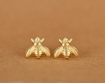 Bee earrings - bee studs - bumble bee earrings - summer earrings - fun stud earrings - cute stud earrings - cute earrings - honey bee