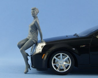 1/18 Pinup girl sitting on the hood figure for die-cast car models