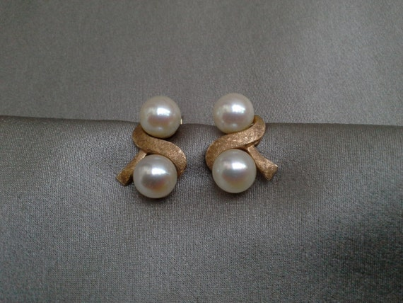 solid 18k gold genuine pearl earrings sted by