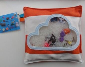 Zoekzak/I spy bag met dit speelgoed in de wolken