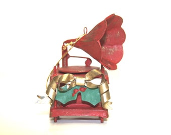 Hand Made Hand Painted All Metal Victrola Record Player Christmas Ornament MUST SEE!