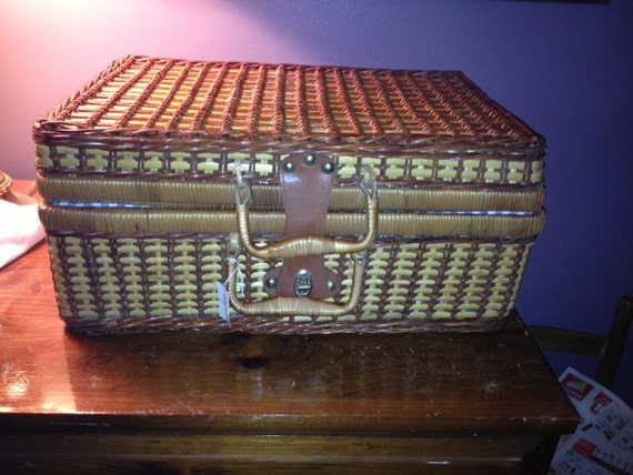 Picnic Basket Dish Set : Vintage wicker picnic basket with dishes for by