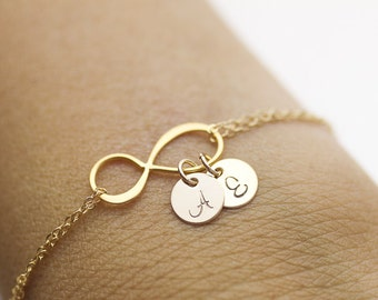 Personalized Infinity Bracelet. initials gold filled bracelet.  love,couple,Mom,Sister,Wife,Family,Bridesmaid Gift