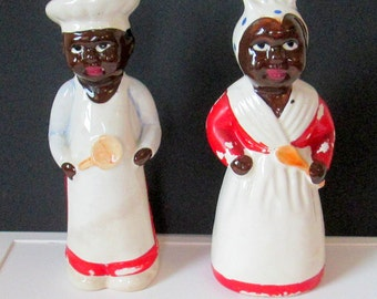 Vintage Salt and Pepper Shakers Black Americana Man and Woman Cooks 1950s