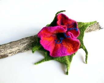 Felt brooch flower brooch  hand felted brooch pin pink green OOAK flower