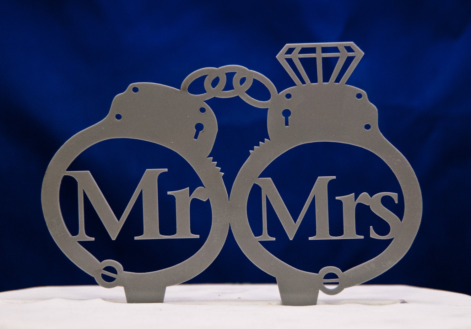 handcuffs wedding cake topper mr. and mrs. wedding cake