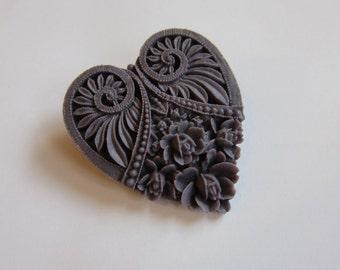 Heart Brooch - Vintage Look