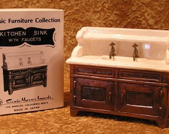 Porcelain Dollhouse Sink by Sonia Messer (902)
