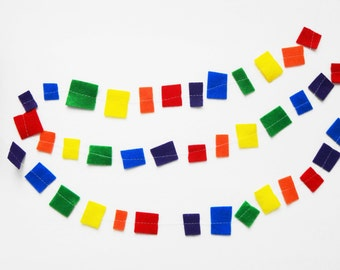 30 ft Rainbow Felt Garland, Rainbow Confetti Garland, Birthday Party, Party Decoration, Rainbow Party, Gay Pride, Rainbow Theme, Classroom
