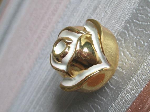 rose knobs dresser knob white gold kitchen by lynnshardware. Black Bedroom Furniture Sets. Home Design Ideas