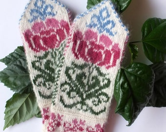 Hand Knitted Organic wool Mittens with patterns. Knitted Mittens. 100% wool Mittens. Knitting Accessories. Arms Warmer.