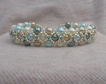 Minty Fresh bead woven bracelet