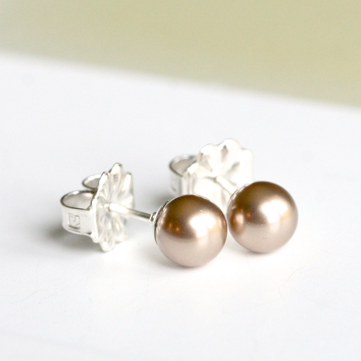 handmade small pearl earrings antique gold light brown