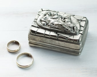 Vintage Silver Plated Ring Bearer Box Hand Hammered Jewelry Wedding Engagement Multifunctional Box Engagement Jewelry Organizer ohtteam