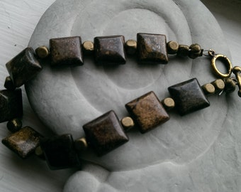 Warm goldstone bracelet