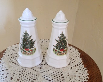 Vintage Pfaltzgraff Christmas Heritage Salt and Pepper Shaker Set featuring Christmas Tree