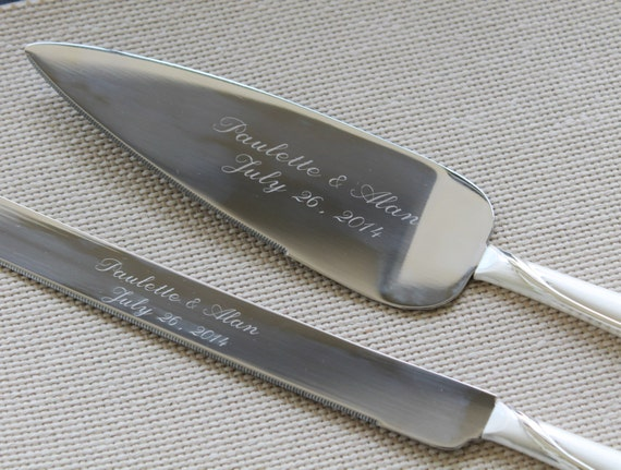 engraved wedding cake server set personalized engraved cake server set wedding gift 14034