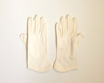 Vintage White Day Gloves Detailed with Buttons