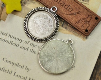 Cabochon Base Settings-50pcs Antique silver or gold circular base Flower Cameo Charm Pendants 20mm