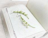 Lily of the valley white minimalist wedding earrings - 2014 trend - Bridal Flower earrings - Wedding floral earrings