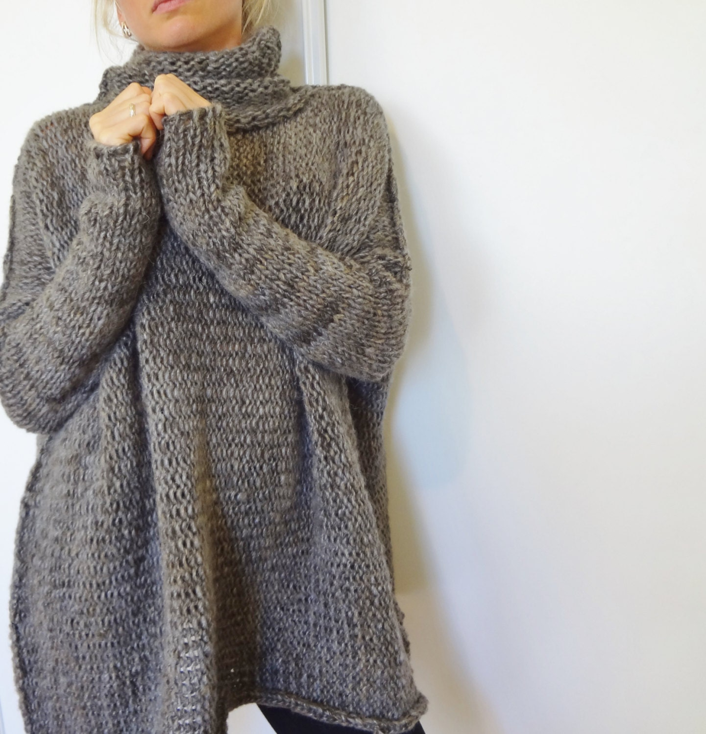 Knitting Patterns For Chunky Wool Sweaters : Womens Oversized Chunky Cable Knit Sweater - Bronze Cardigan
